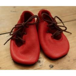 Diseno-C - Bio Baby Lederpuschen mit Schnürsenkeln, rot