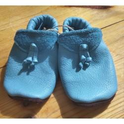 Diseno-C - Bio Baby Lederpuschen mit Knoten, hellblau